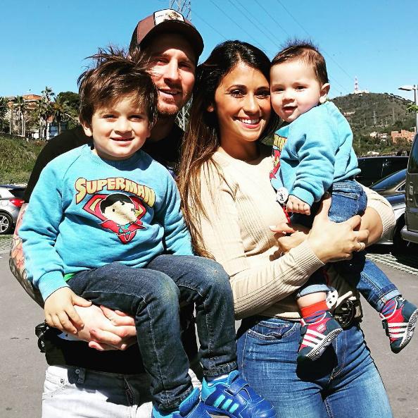 Лионель Месси и Антонелла Рокуццо с детьми