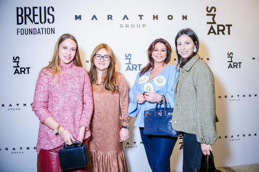 Виктория Аминова с дочерьми Елизаветой и Марией