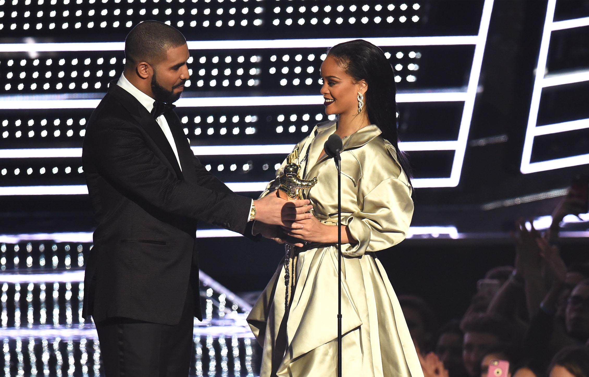 Рианна и Дрейк на премии MTV