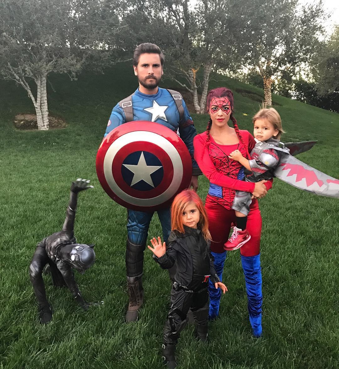 Кортни Кардашьян и Скотт Дисик с детьми