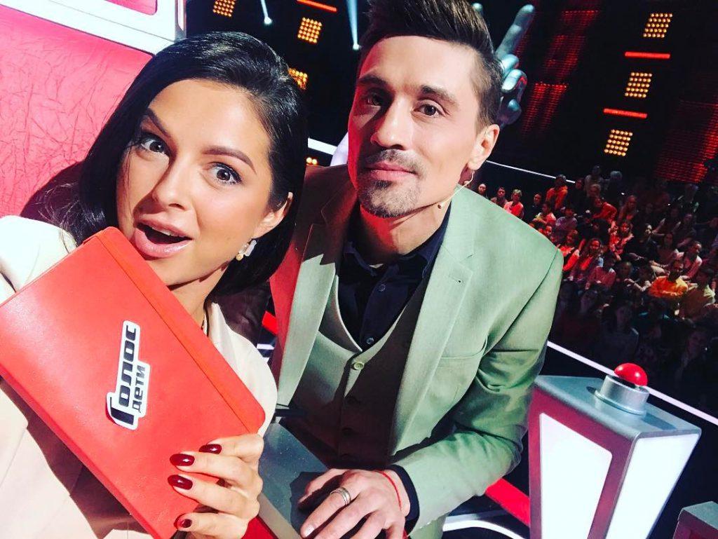 Нюша дебютировала в качестве наставника на шоу «Голос»