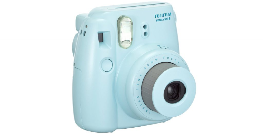 Фотоаппарат Fujifilm Instax Mini 8 Blue, 4 690 р. (mvideo.ru)