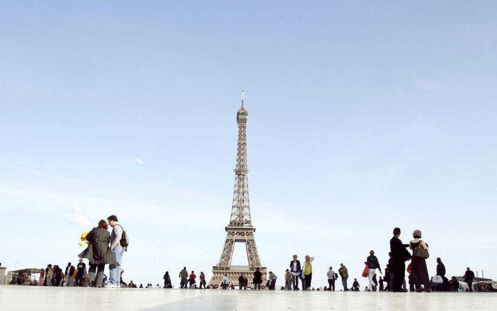 Билеты в Париж на неделю на двоих, 24 370 р., (aviasales.ru)
