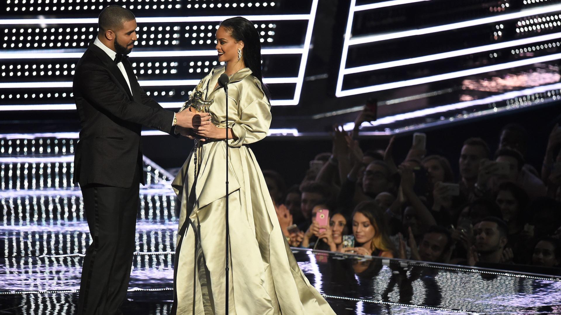 Дрейк и Рианна на MTV VMA 2016