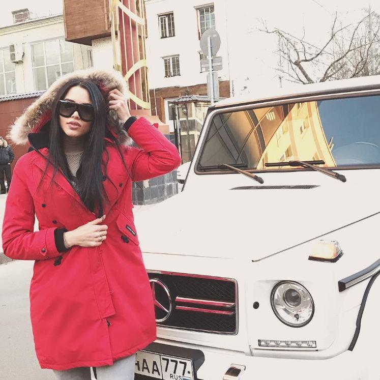 Анастасия Решетова и Mercedes G63