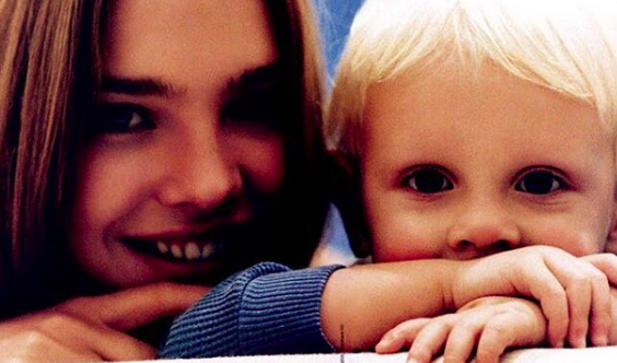 Наталья Водянова с сыном Лукасом Портманом