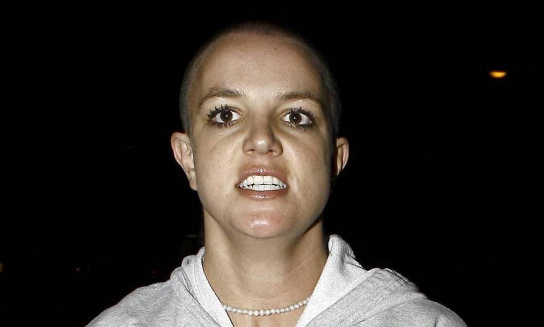 Бритни Спирс побрилась налысо после разрыва с Кевином Федерлайном