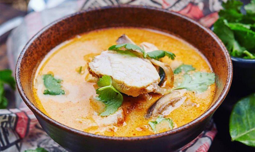 Суп «Том-ям» с курицей, 270 р.