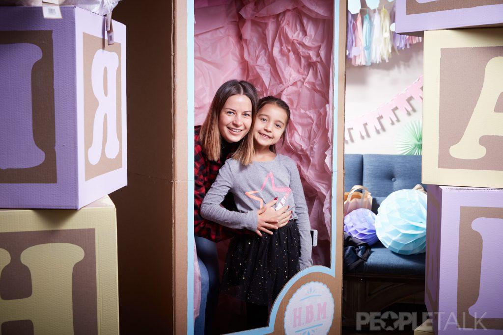 Татьяна Азатян с дочкой
