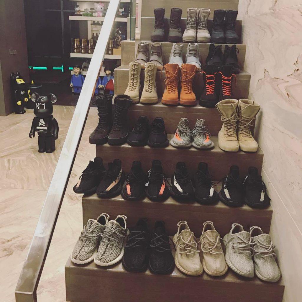 Тимати хвастался коллекцией обуви