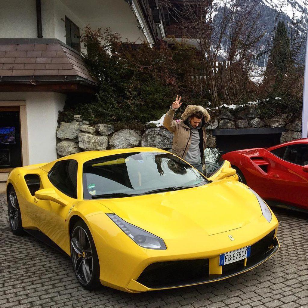 Миша Марвин отдыхал в Швейцарии