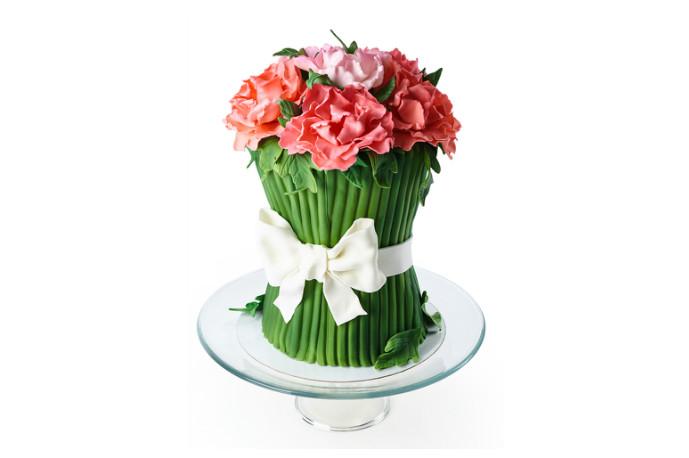 Для подруги — роскошный букет цветов (4 кг — 11 200 р.).