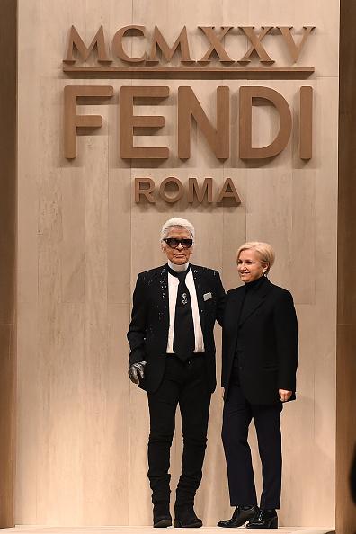 Карл Лагерфельд и Сильвия Вентурини-Фенди на показе Fendi