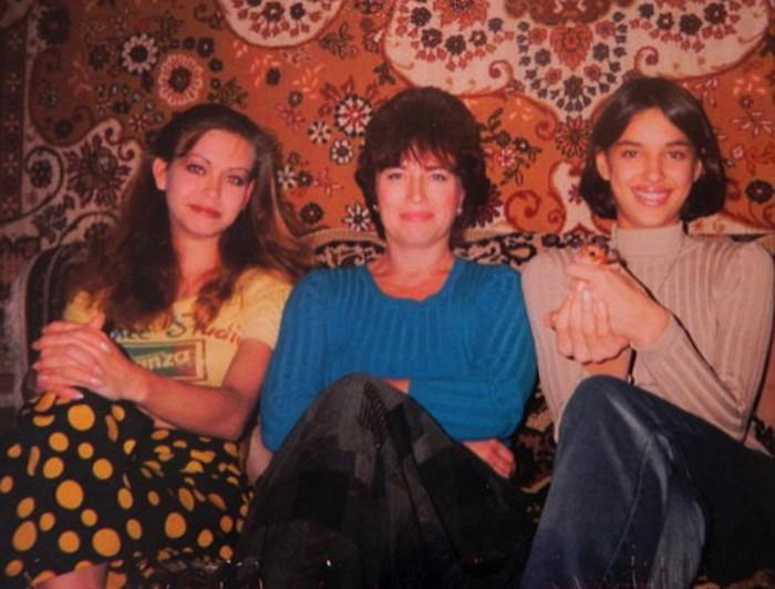Ирина Шейк и Татьяна Петенкова с мамой Ольгой