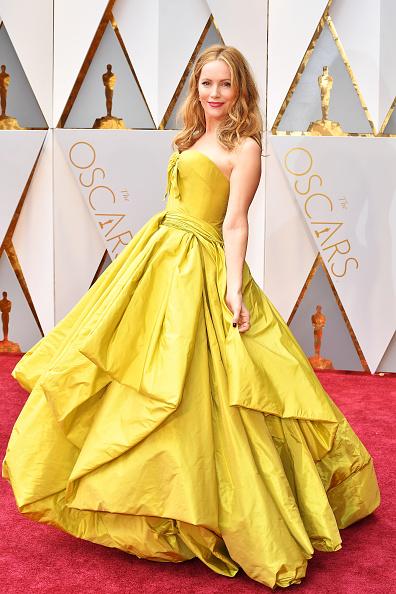 Лесли Манн (44) в платье Zac Posen