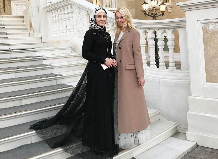 Айшат Кадырова и Яна Рудковская