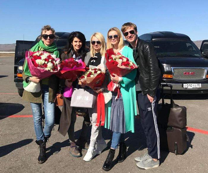 Светлана Бондарчук, Ксения Соловьева, Яна Рудковская, Наталья Якимчик и Вадим Галаганов