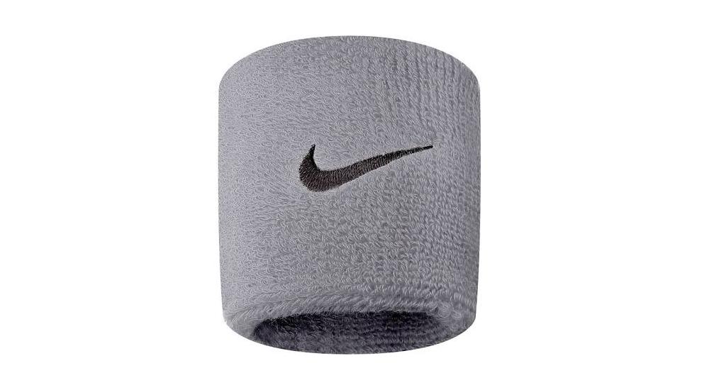 Напульсник Nike, 359 р. (asos.com)
