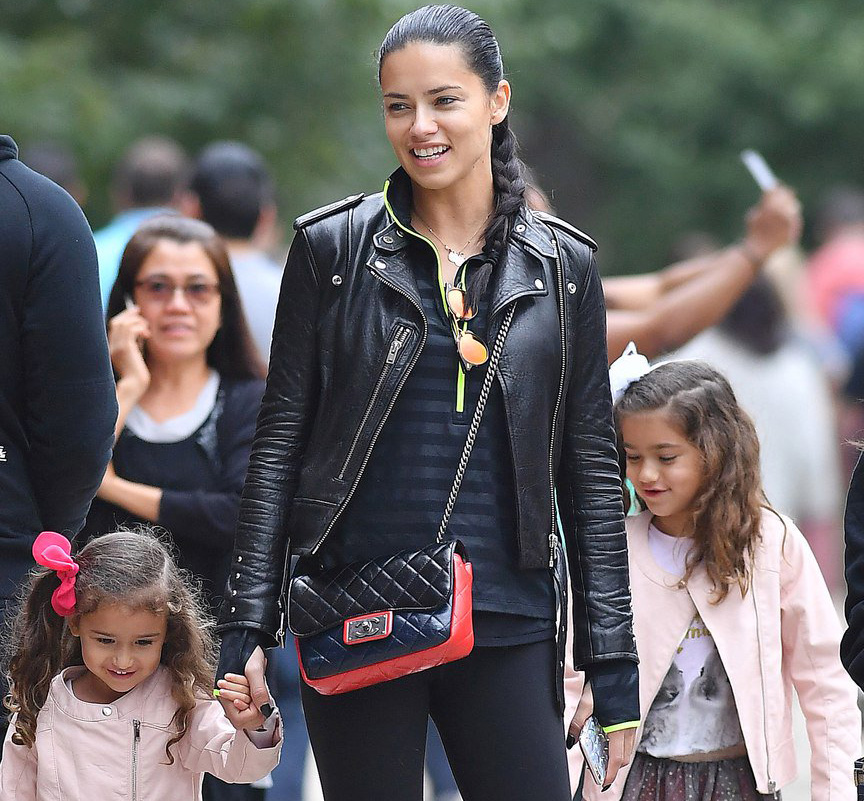 Адриана Лима с детьми
