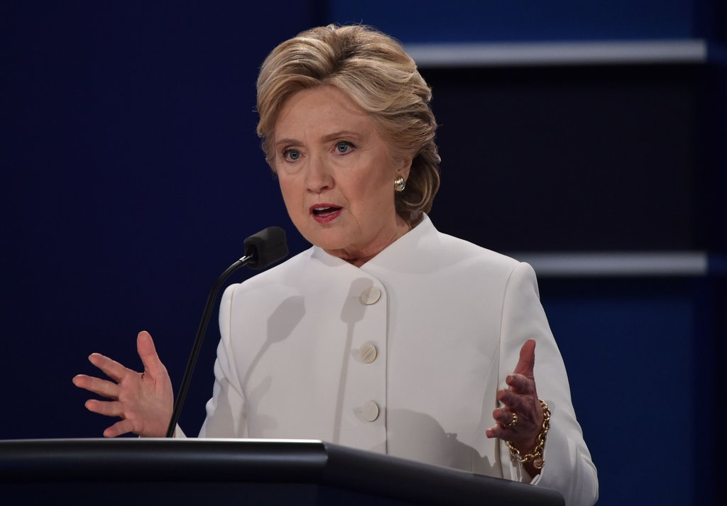 why-hillary-clinton-wearing-white-suit-debate