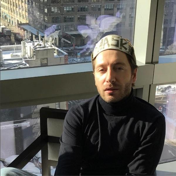 Юрий Столяров восхищался своей новой маской
