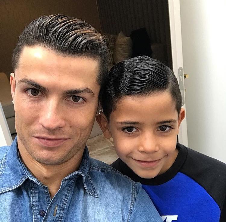 Криштиану Ронадлу с сыном