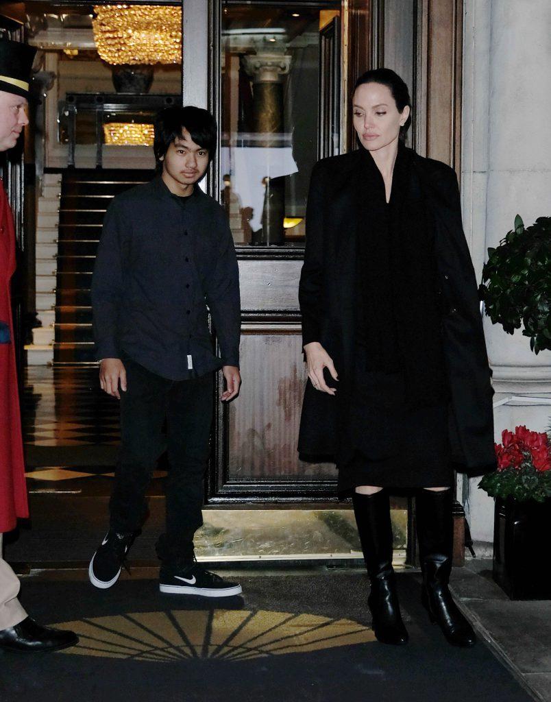 Анджелина Джоли и ее сын