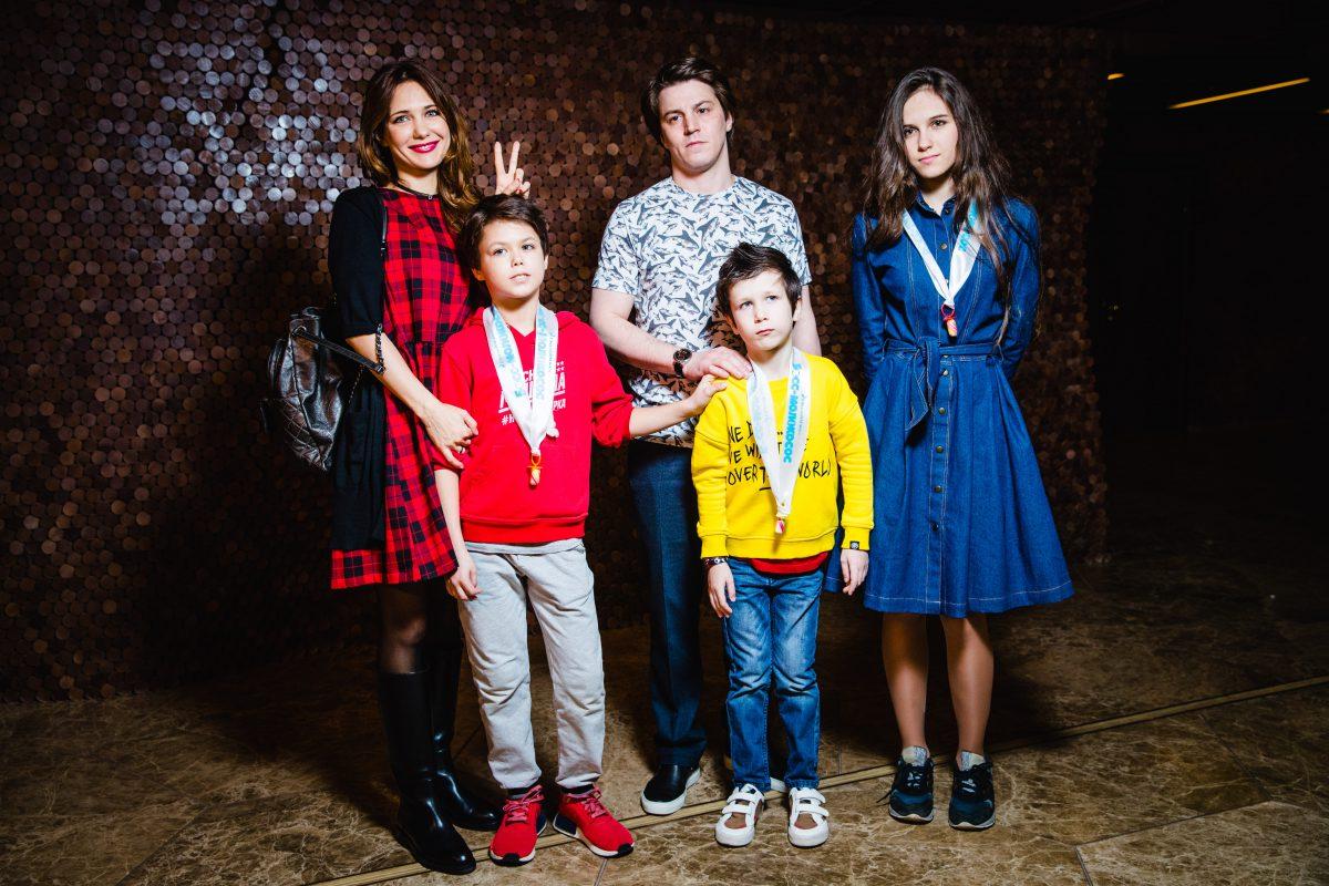 — Екатерина Климова с детьми