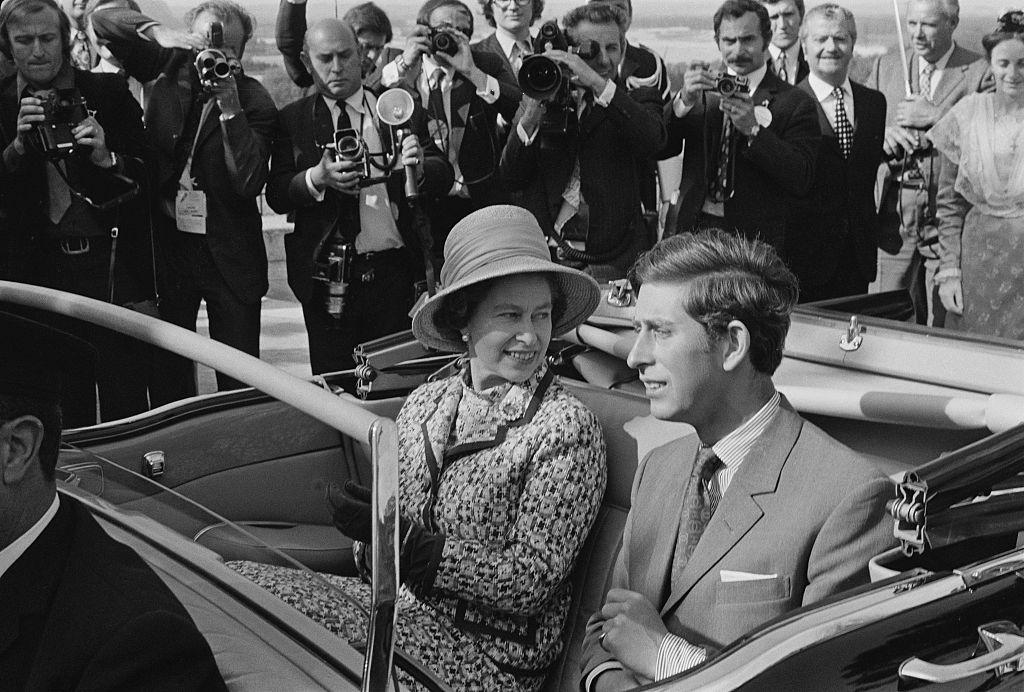 Королева Елизавета II и принц Чарльз