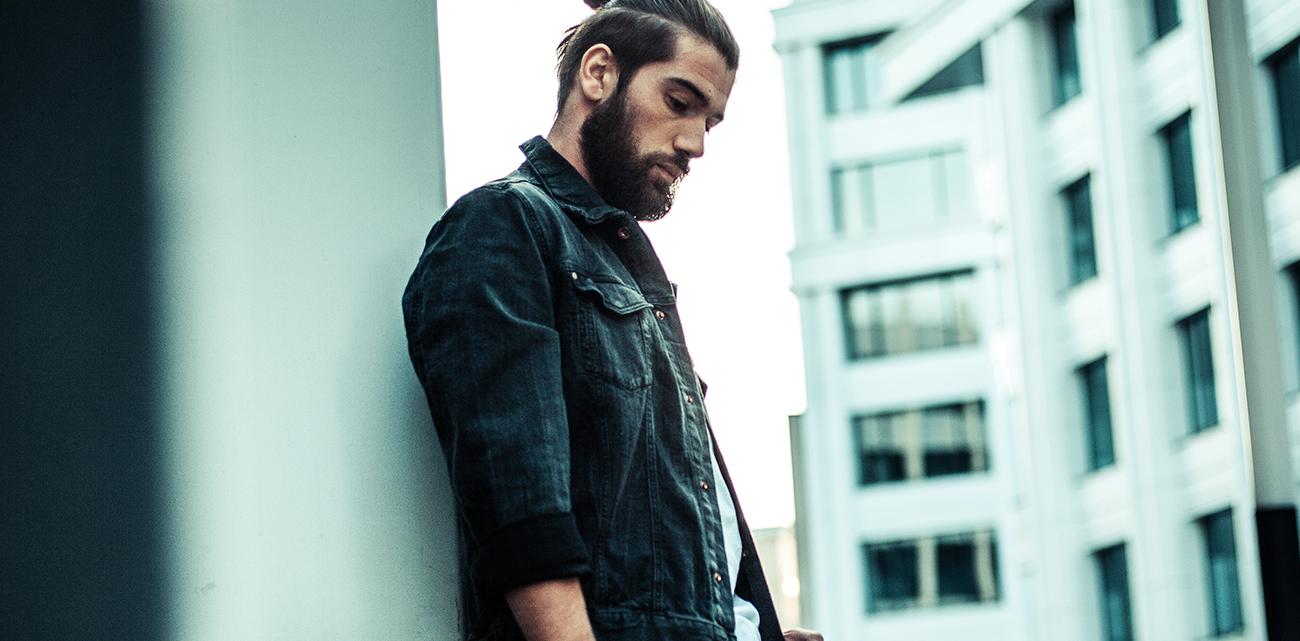 К выходу дебютного альбома Антона Лаврентьева: «Лучше всего у меня получается быть собой»