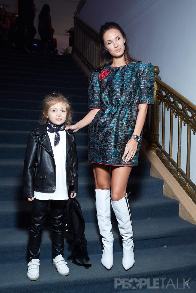 Алиса Карманова с дочерью