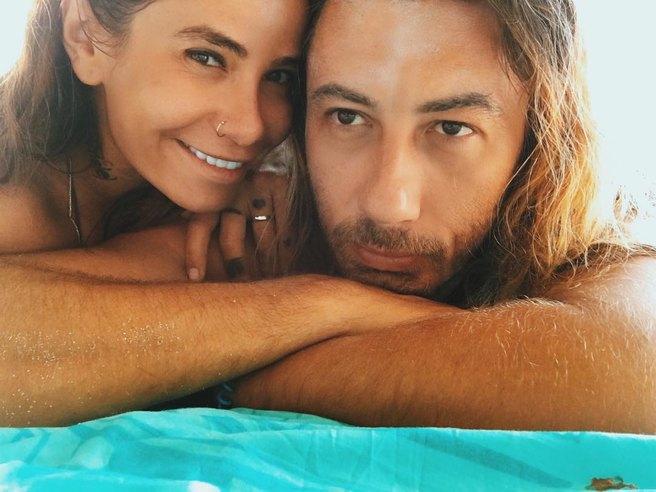 Айза Анохина с мужем