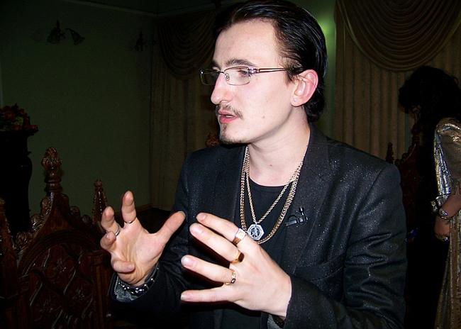 Влад Кадони в шоу «Битва экстрасенсов