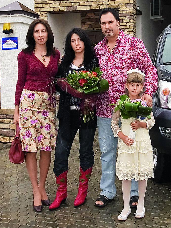 Ирина и Валерий Меладзе с дочерьми