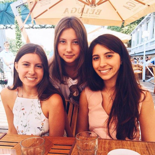 Софья, Арина и Инга Меладзе