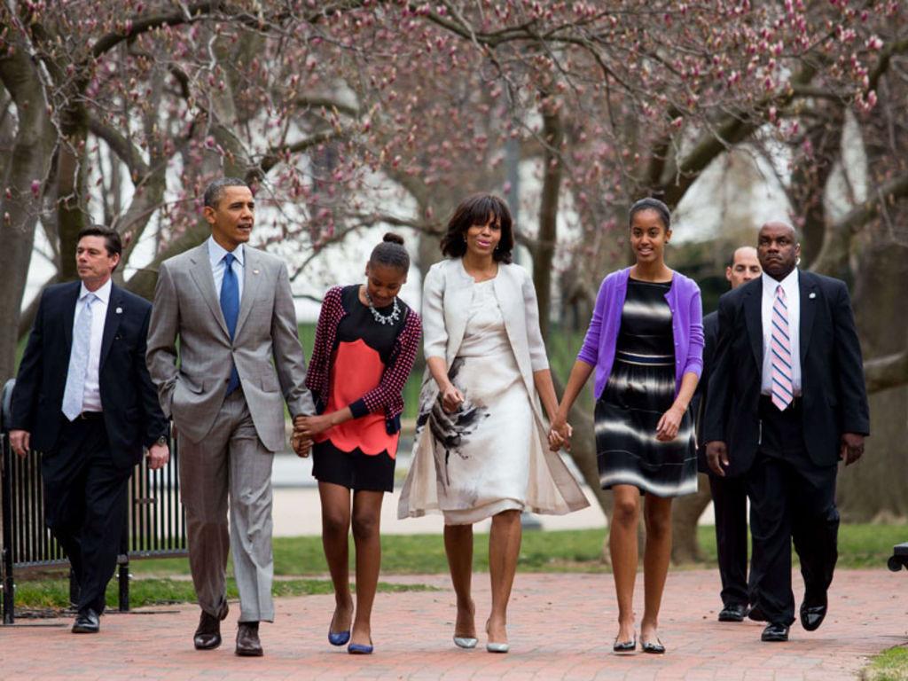 Барак и Мишель Обама с дочками на Пасху