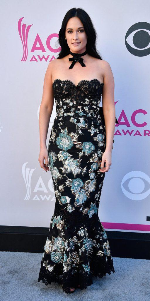 Кейси Масгрейвс (28) в платье Marchesa
