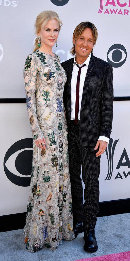 Николь Кидаман (49) в платье Alexander McQueen и Кит Урбан (49)