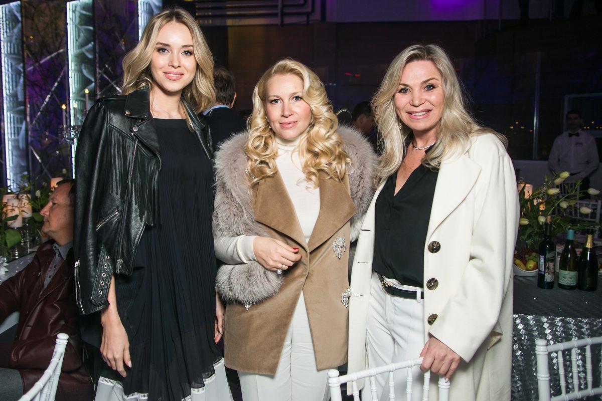 — Ксения Сухинова, Екатерина Одинцова и Марина Юдашкина