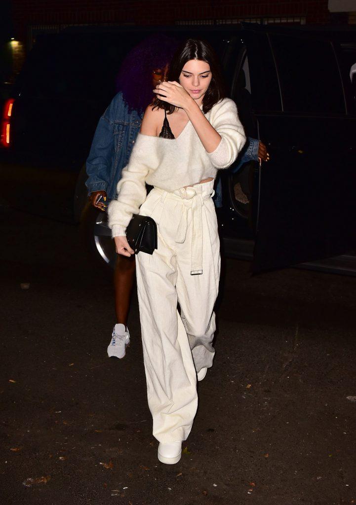 Кендалл Дженнер в брюках H&M, $59