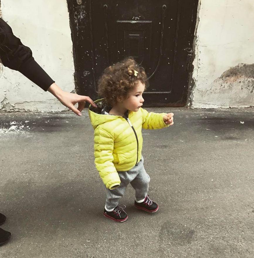 Кети Топурия гуляла с дочкой