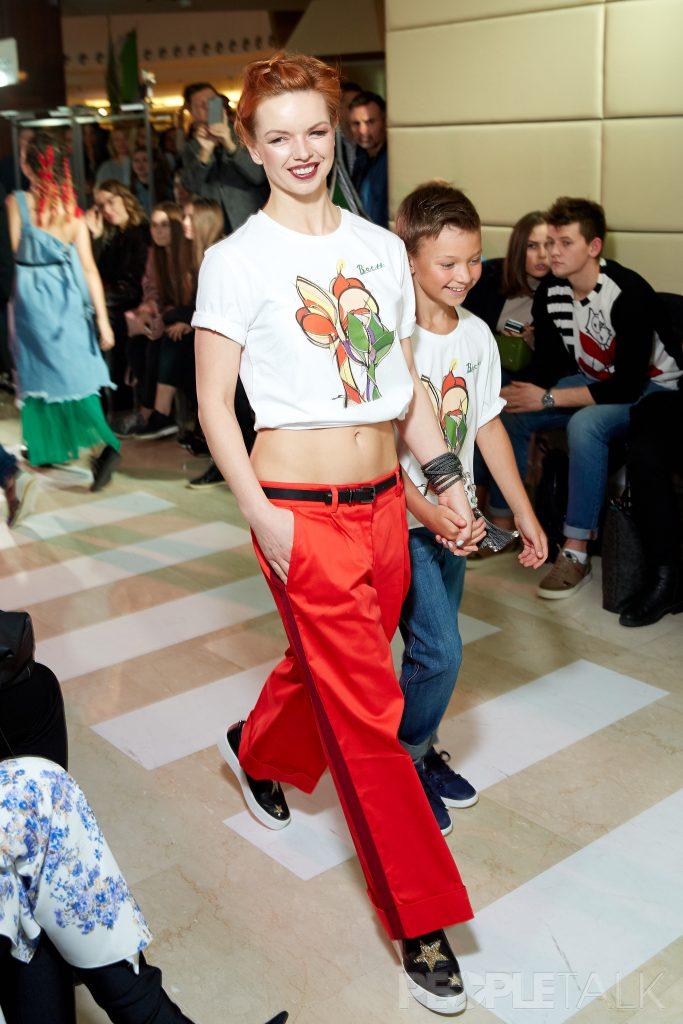Алиса Гребенщикова с сыном Лешей