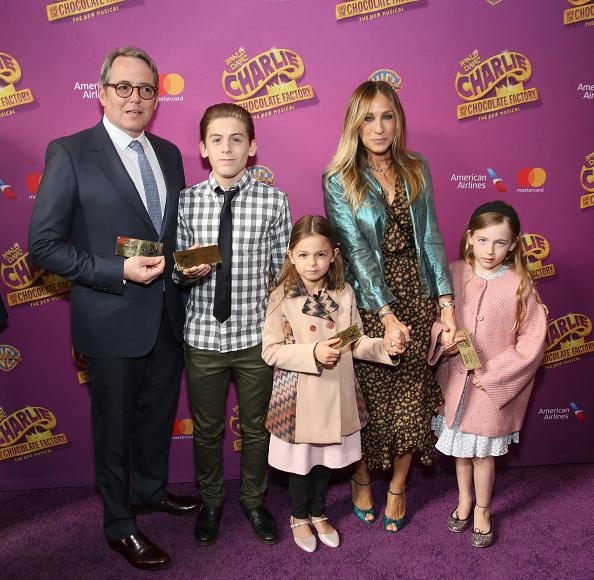 Сара Джессика Паркер и Мэттью Бродерик с сыном Джеймсом и дочками Мэрион и Табитой