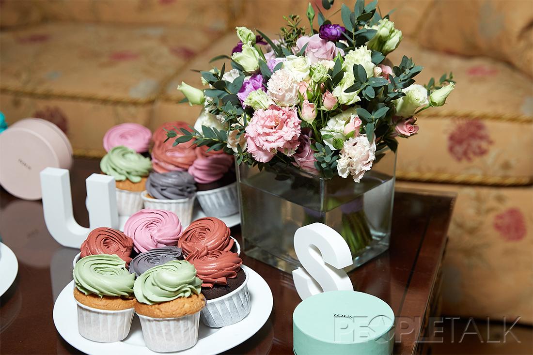 — Капкейки от Анны Милевской, цветы Florist Gump