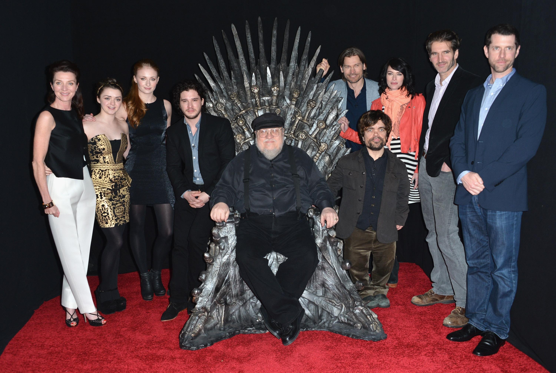 Джордж Мартин с актерам Игры престолов