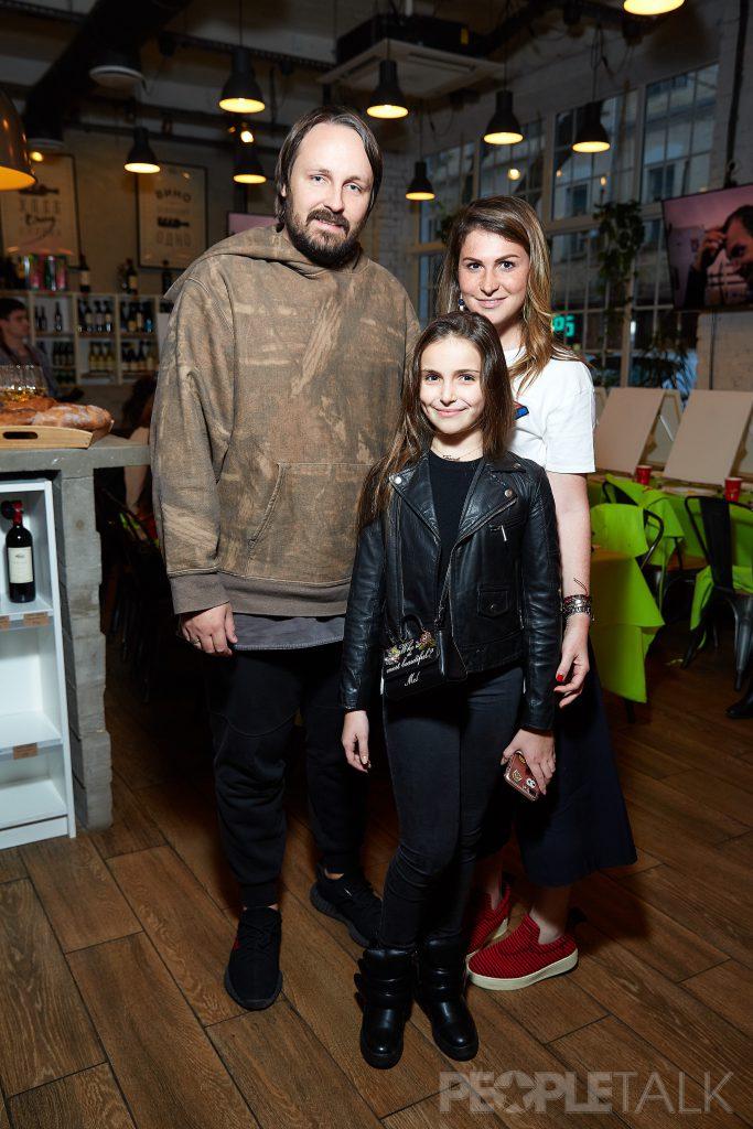 Павел и Тоня Худяковы и Лаура Джугелия