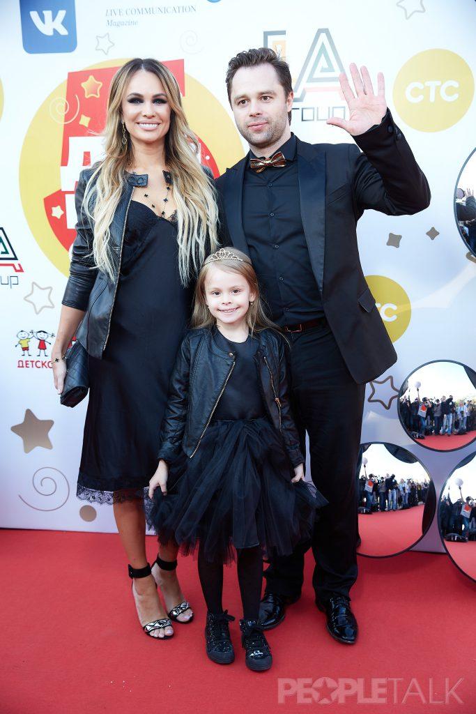 Виталий Гогунский с супругой и дочерью