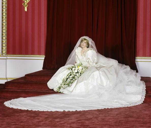 Свадебные платья принцессы Дианы