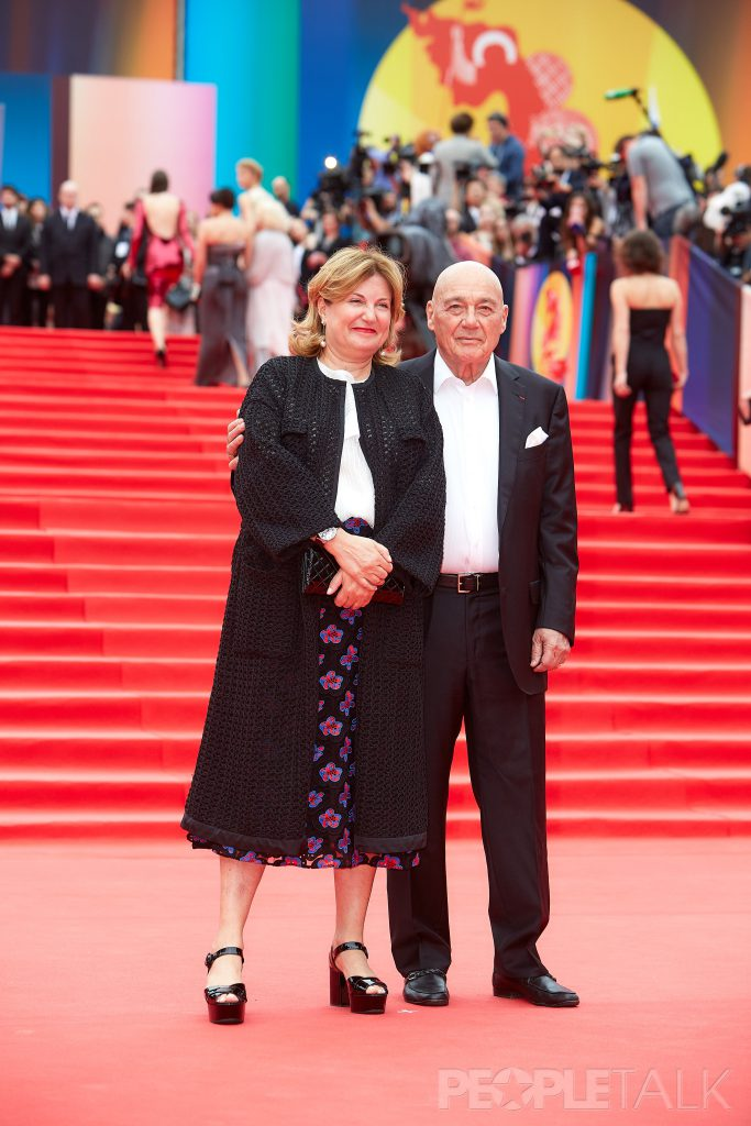 Владимир Познер с супругой