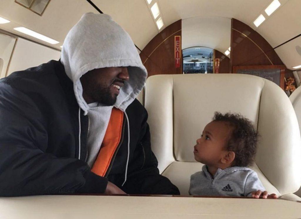 Канье Уэст с сыном Сейнтом